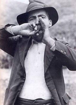 man-whistles-the-silbo-gomero